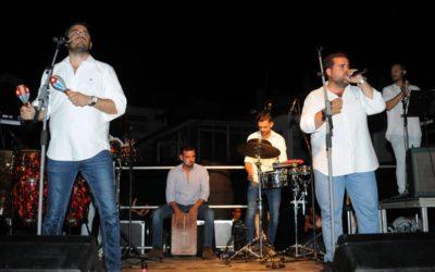 El Mirador de El Ensanche patrocina concierto Calle Botica en Punta Umbría